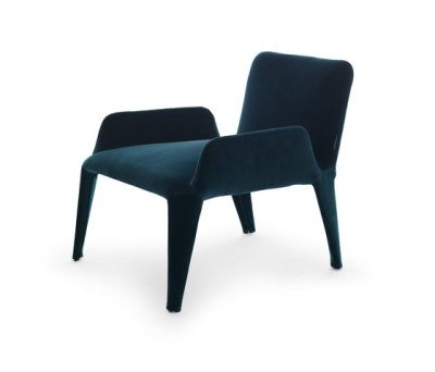 Nova armchair with armrests by Eponimo