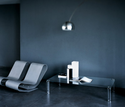Pipeline low table by Glas Italia