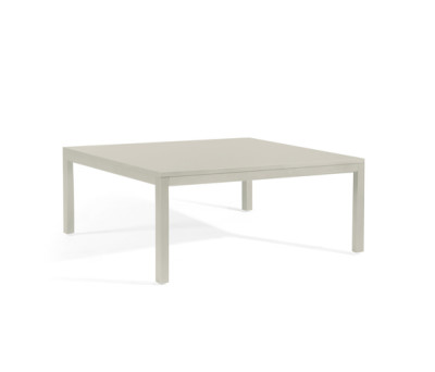 Quarto coffee table by Manutti