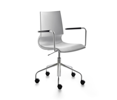 Ricciolina swivel base with armrests with wheels and gas lift with seat cushion by Maxdesign
