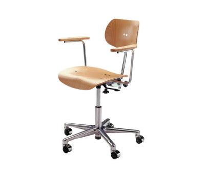 S 197 AR swivel chair by Wilde + Spieth