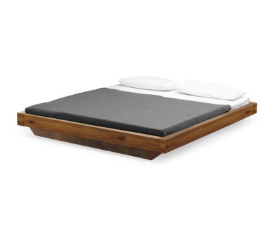 SC 29 Bed   Wood by Janua / Christian Seisenberger