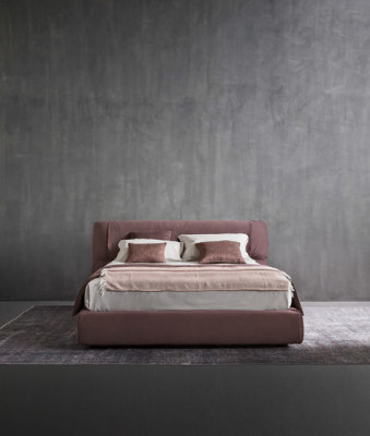 Softwing Bed by Flou