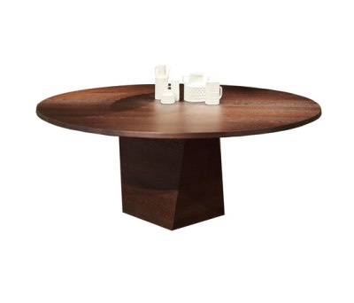 Varan   table by more