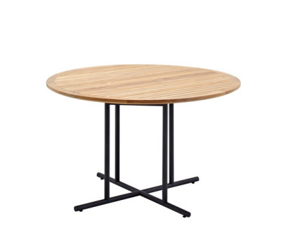 Whirl Dining Table by Gloster Furniture