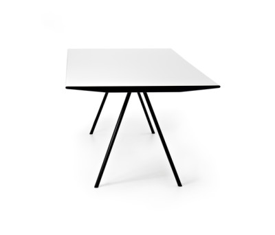 WOGG TIRA Table Eichenberger by WOGG