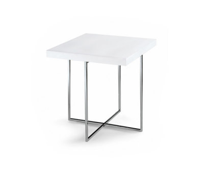 Yard coffee table by Poliform 82 glacier white top