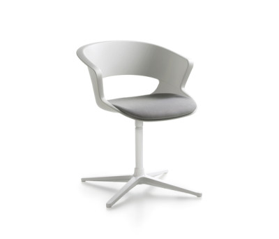 Zed swivel base in polypropylene with seat cushion (Z910) by Maxdesign