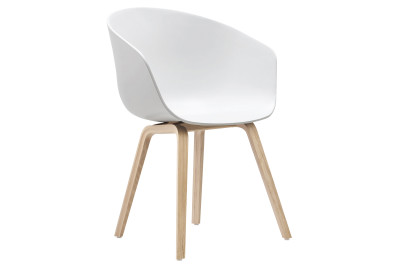 About A Chair AAC22 Lacquered Oak, Cream White