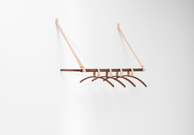 Belt Hanging Rack Walnut