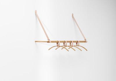 Belt Hanging Rack Oak