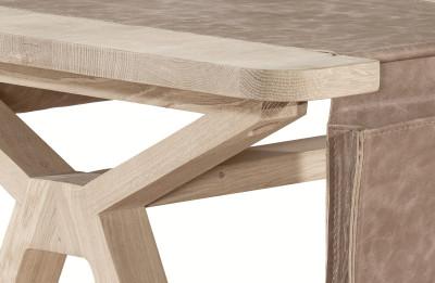 Bolsa desk - oak (detail)