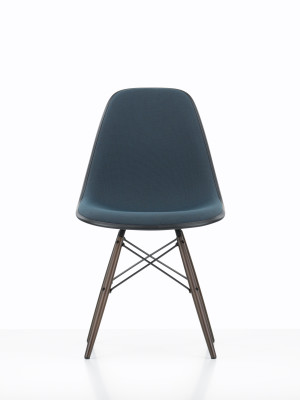 DSW Full Upholstery 01 Basic dark, Hopsak 71 yellow/pastel green, 02 Golden Maple, 01 Basic dark, 04 basic dark for carpet