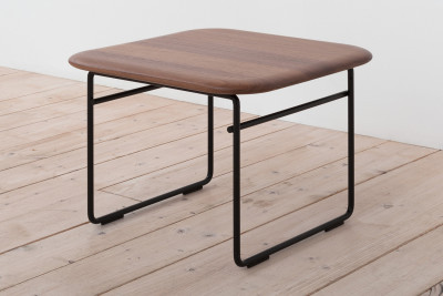 Wire Side Table Night Black and Solid Walnut