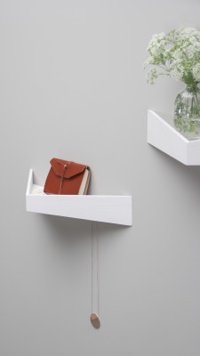 Pelican Shelf with hidden hooks White, Medium