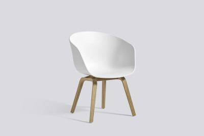 About A Chair AAC42 White, Clear Lacquered Oak veneer