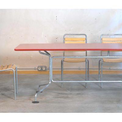 Agora garden table by Atelier Alinea