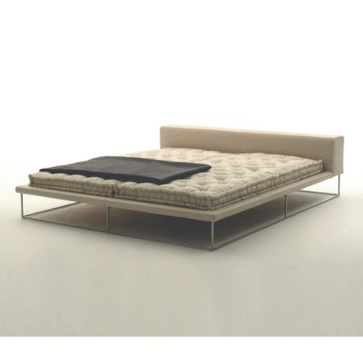 Ile Bed by Living Divani
