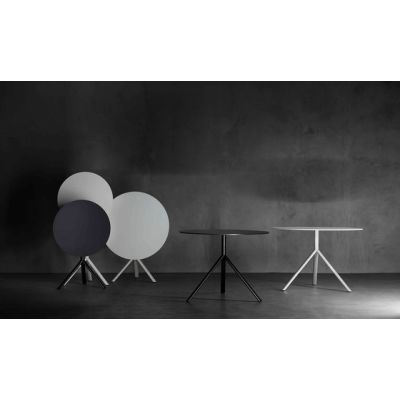 Miura round table by Plank