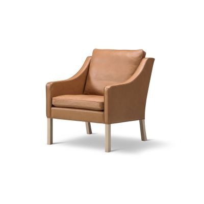 2207 Lounge Chair Oak no finish, Leather 75 Cognac
