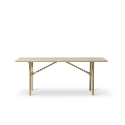 6284 Table Oak standard lacquer