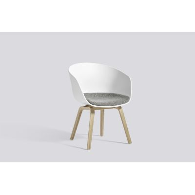 About A Chair AAC42 with seat upholstery Leather Silk SIL0197 Cream, White, Clear Lacquered Oak veneer