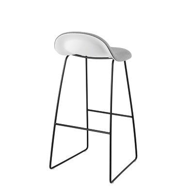 Gubi 3D Sledge Base Bar Stool - Front Upholstered Gubi Wood Black Stained Beech, Dunes 21000 Cognac, Gubi Metal Chrome