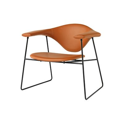 Masculo Lounge Chair with Sledge Base Canvas 114, Gubi Metal Black
