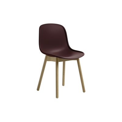 Neu13 Chair Bordeaux shell, Oiled solid oak frame