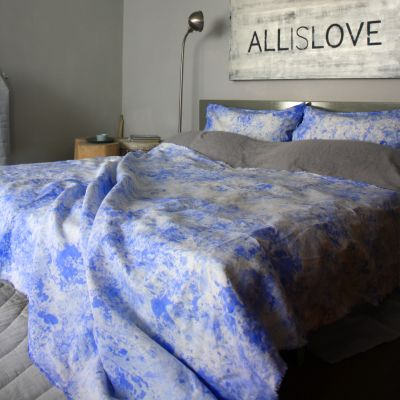 Painted Throw – Ultramarine