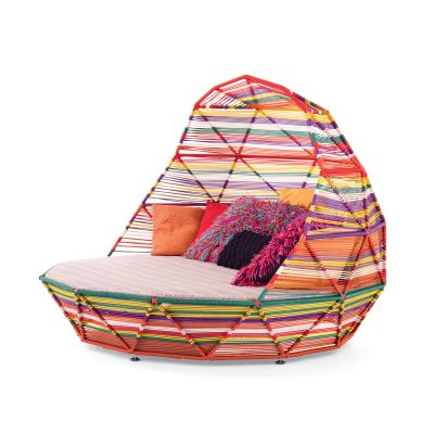 Tropicalia Day Bed with 7 Cushions A8431