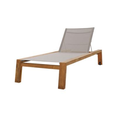 Avalon lounger with wheels by Mamagreen