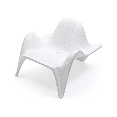 F3 Club Chair White