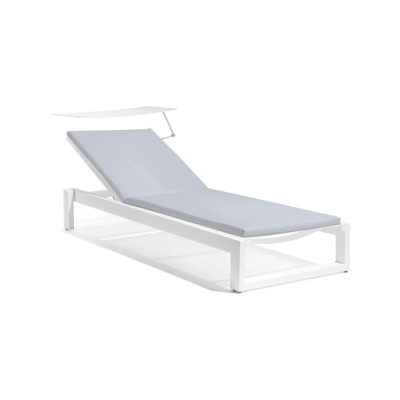 Fuse lounger + screen by Manutti