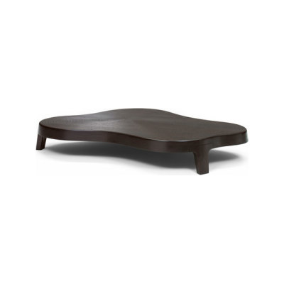 Isola coffee table by Linteloo