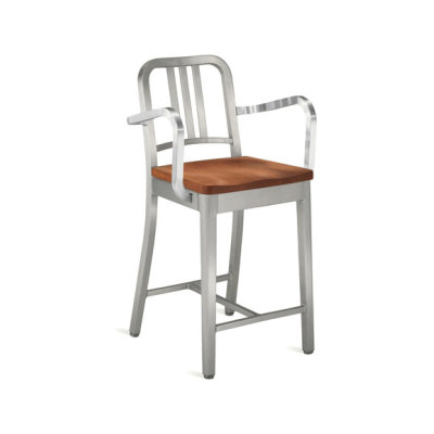 Navy Counter stool with arms and natural wood seat Cherry, Hand-brushed
