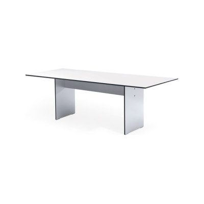 SC 42 Table | HPL by Janua / Christian Seisenberger