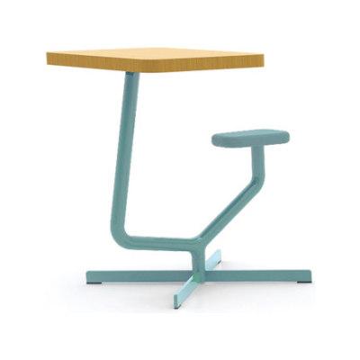 Tool desk by Horreds