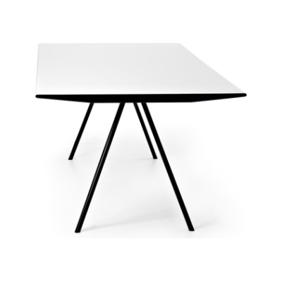 WOGG TIRA Table Eichenberger by WOGG