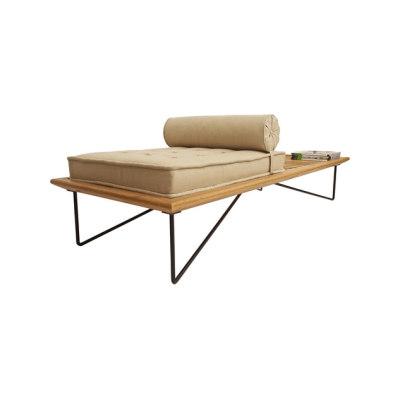 Zumbi Chaise by Espasso