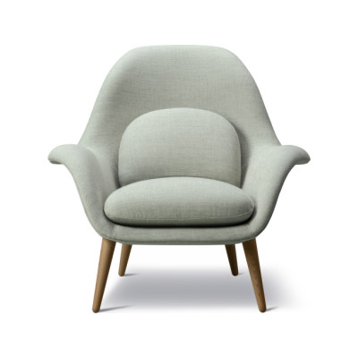 Swoon Armchair Sunniva 132, Oak Lacquered Base