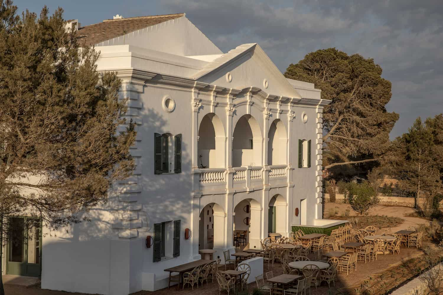 Experimental Hotel in Menorca surrounded by trees