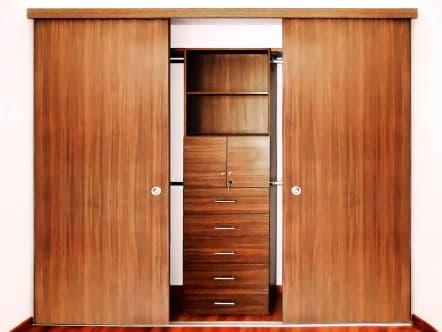 Closet económico modular laminado color pera.