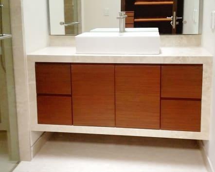Mueble de baño de madera de roble canadiense.