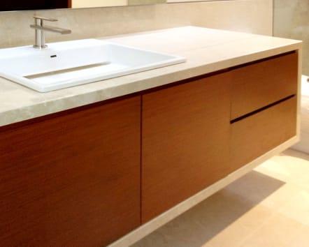 Mueble para baño modular sencillo.