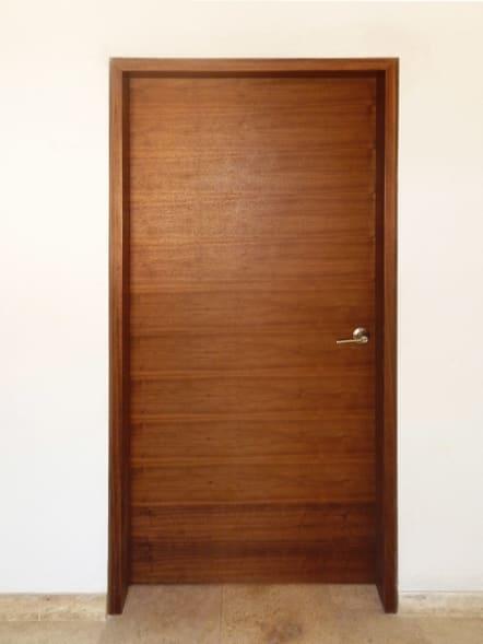 Puerta interior de melamina color arce