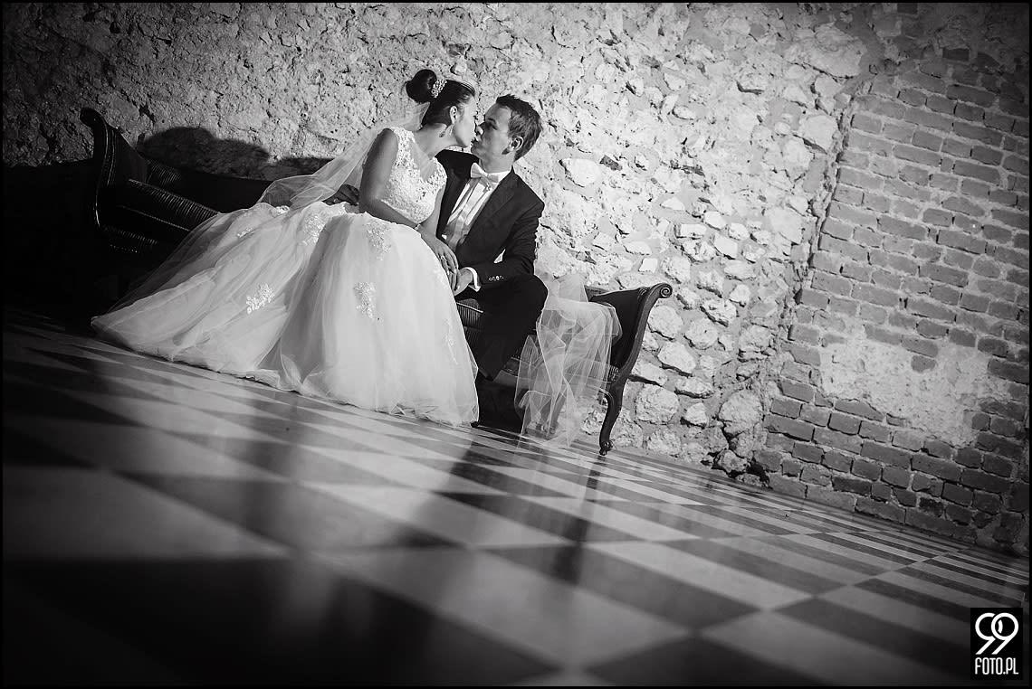 Sesja ślubna Zamek w Korzkwi,  plener ślubny Kraków