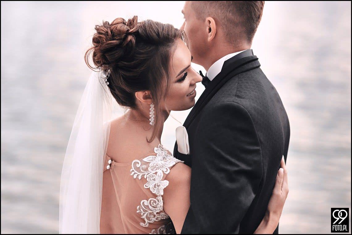 SESJA ŚLUBNA W KRAKOWIE. MIEJSCA IDEALNIE NADAJĄCE SIĘ NA ROMANTYCZNE KADRY