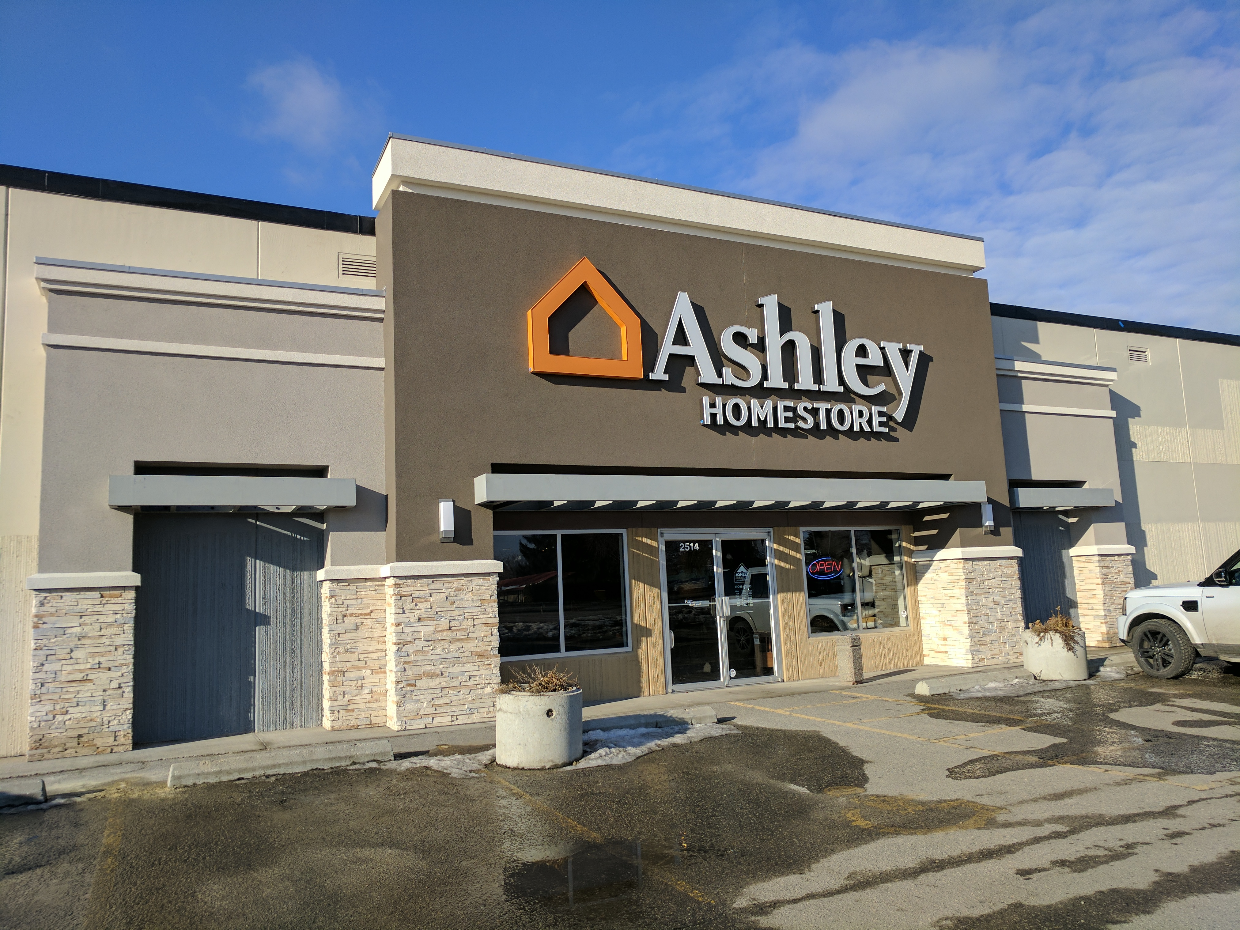 Swell Furniture And Mattress Store In Kelowna Bc Ashley Squirreltailoven Fun Painted Chair Ideas Images Squirreltailovenorg
