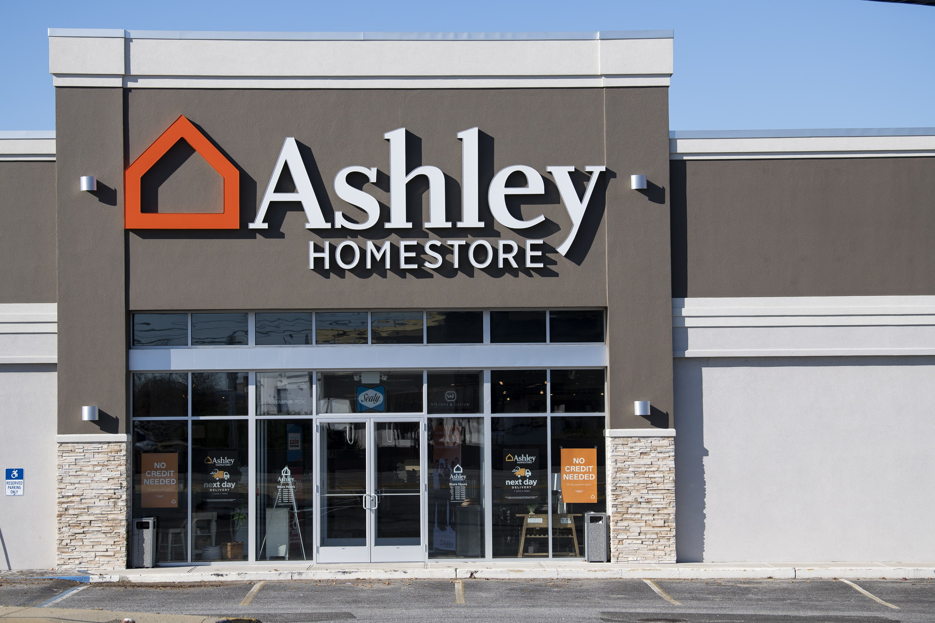 Incredible Furniture And Mattress Store In Farmingdale Ny Ashley Theyellowbook Wood Chair Design Ideas Theyellowbookinfo